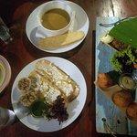 Banana soup, Knoflo di Forni, Emapada Karni