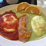 Divorced eggs, the best verde sauce in Mazatlán