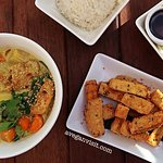 The seven spice tofu and jungle curry - incredible!