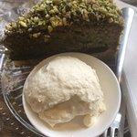 Pistachio & Nutella cake