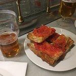 bread with tomato/pan con tomate
