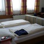 Hotel Salzburgerhof Photo
