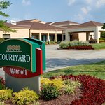 Photo de Courtyard St. Louis Creve Coeur