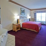 Country Inn & Suites by Radisson, Cortland, NY