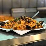 Spaghetti con mariscos. Local 17 Centro Comercial del Puerto.