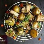 Τηγανιά φρέσκου ψαριού/κρέμα σελινόριζας/κρέμα ψητής τομάτας/κριταμα