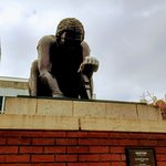 Newton statue, larger than life!