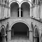 The atrium of the famous Sponza palace. A historical gem that we visit on our Old Town tour.