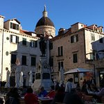 Gundulić square in the heart of the old town - discover it with our guides!