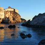 The massive walls of Dubrovnik with the fort Bokar in the front - walk them with our local guide