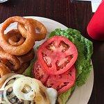 Spooner burger w/onion rings
