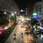 La avenida Sukhumvit de noche 1