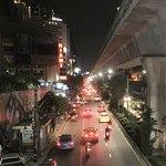 La avenida Sukhumvit de noche 2