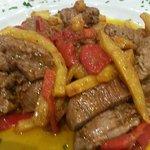 Carne con patatas y pimiento
