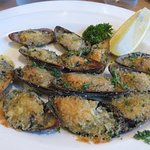 Grilled Mussels w/Garlic Butter