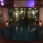 Для гостей есть спа центр с сауной и небольшим бассейном.