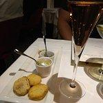 Apéritif de la mer et champagne rosée