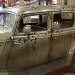 "Bonnie and Clyde's 'DEATH CAR"". They didn't stand a chance"
