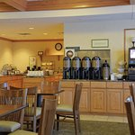 Photo of Country Inn & Suites by Radisson, Grand Forks, ND