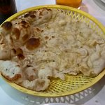 Naan that comes with Tandoori chicken