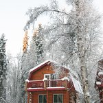 The rustically beautiful Chinook Log Cabin
