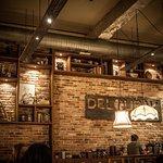 Deloubak Espresso Cuisine Co. Foto