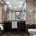 Photo de Hotel Acta City47