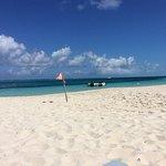 Photo de Beach House Turks & Caicos