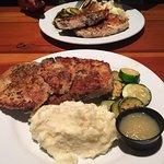 Foto de Grunions Sports Bar & Grill