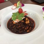 Roasted chili with shrimps and fresh vegetables