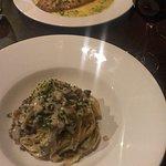 Tagliatelle al pesto, carbonara with mushrooms and Margherita with buffalo mozzarella. We went f
