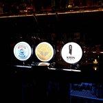 Photo de Mo's Bar