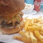 Első de nem utolsó burgerezésünk a diósdi ámerikában! Köszönjük!