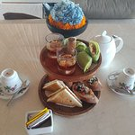 Breakfast, Hi-tea set & room service food.