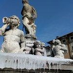 صورة فوتوغرافية لـ Fontana del Nettuno