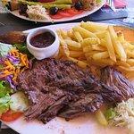 Assiette de viande - frites