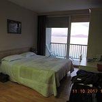 Chambre spacieuse avec vue sur la mer