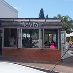 Photo de Mayfair Cafe