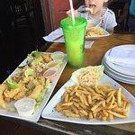 ภาพถ่ายของ Sharkeez Tiki Bar