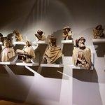 Moulages des bustes des Prophètes et des anges du puits de Moïse.