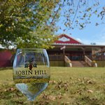Robin Hill Farm & Vineyards