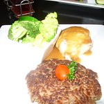 Chopped steak with mashed potato & gravy, broccoli