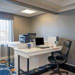 Photo de Holiday Inn Express Hotel & Suites Easton