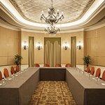 Photo of Sheraton Abu Dhabi Hotel & Resort