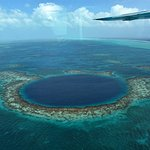 Foto de The Great Blue Hole at Lighthouse Reef