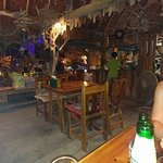 Photo de Oasis bar & restaurant Phi Phi Island