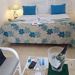 Photo de Merville Beach Hotel