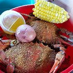 This is how the crabs are served, maybe about 14-16 per bucket