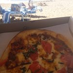 Carry out pizza to the beach!