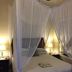 Avalon Bed and Breakfast resmi